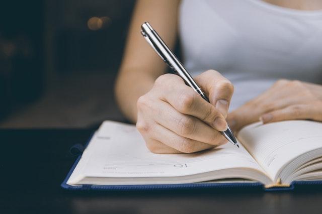 英語のライティング力を独学で付けるにはアウトプットしまくる!